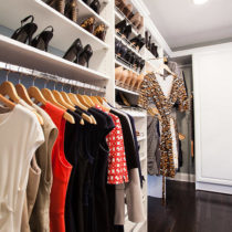 walk-in-closet-hanging